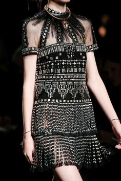 Valentino Spring 2016 Ready-to-Wear Accessories Photos - Vogue freakin beautifulllll