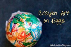 Egg Craft: Beautiful Melted Crayon {Crayon Art} - This is such a fun idea to use the heat of a boiled egg to create melted crayon art!