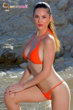 Séduction Paprika. L'un des nombreux #maillotdebain et #bikini #string proposés par my-sexy-bikini.com