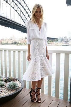 Button Down And Lace Skirt 2017 Street Style