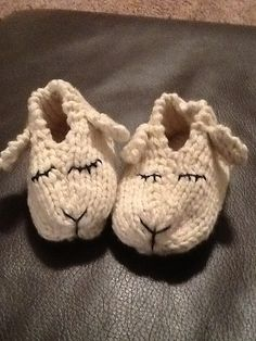 This Lamb Shoes pattern comes in sizes from wee to adult! From JuniperMoonFarm.com