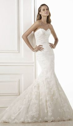 Pronovias 2015 Bridal Collections | bellethemagazine.com