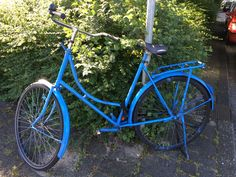 Diepblauwe fiets