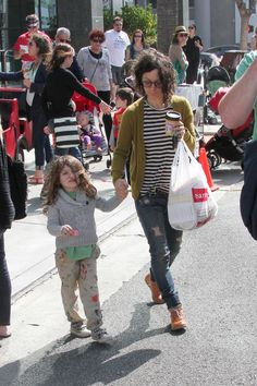 Actress Sara Gilbert seen at the farmers market with her kids Sawyer Gilbert and Levi Hank Gilbert-Adler in Studio City - Superficial Gallery Sara Gilbert, Studio City, 3 Kids, Actresses, Farmers Market, Google Search, Fashion, Female Actresses, Moda