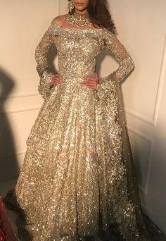 21 ideas for bridal wear walima Pakistani Wedding Dresses, Pakistani Outfits, Indian Dresses, Indian Outfits, Indian Reception Outfit, Asian Wedding Dress, Pretty Dresses, Beautiful Dresses, Walima Dress