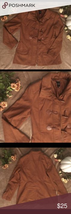 RAMPAGE Brown Toggle Coat Nice Brown Toggle Coat by RAMPAGE. Size Large. This is a perfect addition to your fall/winter wardrobe! In good condition. 🍁 Rampage Jackets & Coats