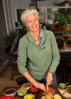Jane Esselstyn RN brings her perspective and passion as a nurse, researcher, mother, and teacher to the forefront of the plant-based movement. Plant Based Diet Meals, Plant Based Eating, Plant Based Recipes, Vegan Foods, Vegan Recipes, Cookbook Recipes, Vegan Meals, Soup Recipes, Diet Recipes