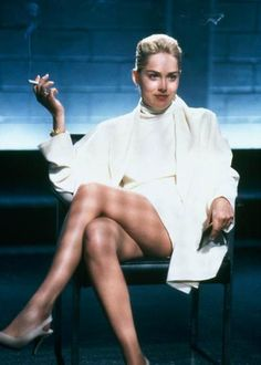Catherine Tramell is the main antagonist of the Basic Instinct films. She was portrayed by Sharon Stone, who also played Ginger McKenna in Casino, Lori Quaid in Total Recall, and Laurel Hedare in Catwoman. Carrie Bradshaw, Basic Instinkt, Basic Instinct Movie, Gq, Sharon Stone Photos, Sharon Stone Movies, Actrices Sexy, Donald Glover, Actrices Hollywood