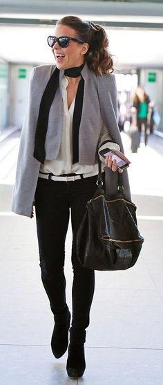 Kate Beckinsale arrives on London. #bestdressed