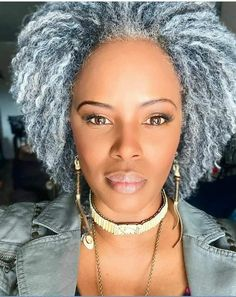 Grey Hair Over 50, Short Grey Hair, Grey White Hair, Silver Grey Hair, Gray Hair, Black Women Hairstyles, Cool Hairstyles, Grey Hair Inspiration, Curly Hair Styles
