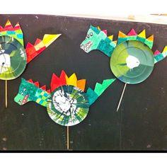 Roses originals i dracs creatius per treballar aquest Sant Jordi Kids Crafts, Preschool Crafts, Craft Projects, Arts And Crafts, Dragon Crafts, Dragon Art, Creative Area, Dragon Tales, Dragon Birthday