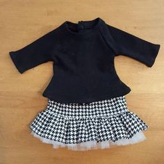 Black tee and hounds tooth skirt #pixiefaire |