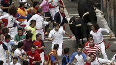 Un toro rezagado pone el peligro en un encierro largo y tenso