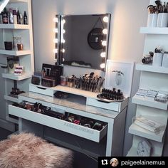 Yet another stunning image by @paigeelainemua of her beauty room. Absolute perfection . I just love spotting our makeup storage in use. Don't forget to tag us in your pics lovelies . #makeuptable #makeupjunkie #makeupmirror #beauty #beautyroom #beautystore #beautytable #beautymirror #vanity #vanityroom #vanitydecor #vanityideas #lipglossstorage #lipstickstorage #vanitytable #makeuporganizer #cosmeticorganizer #vanityorganizer #makeuporganiser #makeupdividers
