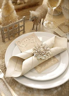 tablescapes ::Lc- I like this folded napkin -it's pretty :-) instead of an expensive napkin ring something similar to this could easily be made with a Cricut and paper.  Kinda neat that the menu and napkin cover the plates (so that outside reception can be set without leaves settling on clean plates) :-)