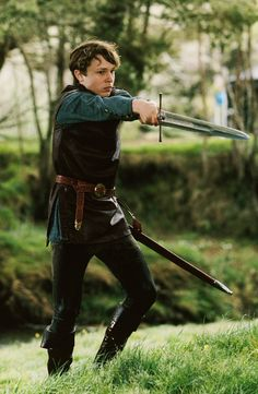 William Moseley as Peter Pevensie in The Chronicles of Narnia: The Lion, the Witch and the Wardrobe (2005)