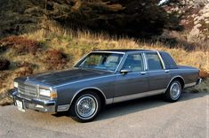 Chevy Caprice Classic, Chevrolet Caprice, Classic Chevrolet, Chrome Wheels, Old Cars, Mafia, Mustang, First Love, Automobile