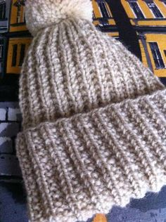 Knitted Hats, Crochet Hats, Sunday Morning, Handicraft, Knitting Patterns, Knitting Ideas, Winter Hats, Lily, Mornings