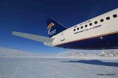 Icelandic airline Loftleidir landed the first Boeing 757 on the blue ice runway at Union Glacier on Nov 26th, 2015