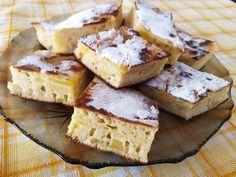 Pancake ταψιού με μήλο και σταφίδες έτοιμο σε 10 λεπτά Kai, Cornbread, Feta, Camembert Cheese, Pancakes, French Toast, Breakfast, Ethnic Recipes, Millet Bread