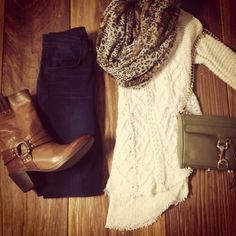 Long sweater and leggings... pretty much what I'm going to wear ALL fall, winter AND spring