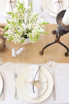 Christmas, table setting, natural colours - Australian style.