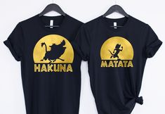 Hakuna Matata Disney shirts for friends, families and couples, mix and match to create a funny set! Available in all sizes Hakuna with Pumbaa (select unisex tee or flowy ladies tank top)► Matata with Timon (select unisex tee or flowy lad. Cute Couple Shirts, Bff Shirts, Matching Disney Shirts, Matching Couple Outfits, Disney Couples, Disney Shirts For Family, Travel Shirts, Cute Shirts, T Shirt Couple