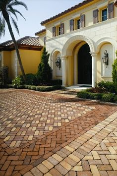 EP Henry Boral Antique Pavers, Parquet Tan and Peachtree Avenue, 45° Basketweave and Herringbone Patterns with Heartland Flash Double Soldier Border