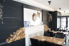Grote voorraad stoere industriële lampen te vinden op www.brocantiekdelinde.nl!! Foto genomen bij restaurant Binnen in Drachten!