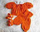 Conjunto em tricô feito a mão laranja