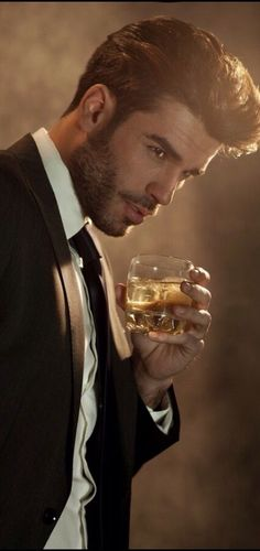 Rich and Beautiful, Sipin' Jack Daniels. Photography Poses For Men, Portrait Photography, Shotting Photo, Men Photoshoot, Classy Men, Hommes Sexy, Madame, Vintage Men, Beautiful Men