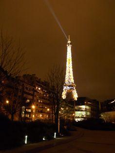Eiffel Tower - 照明探偵団