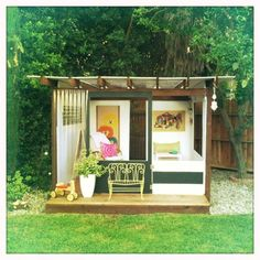 Adorable Mid Century Playhouse http://www.stylemarketblog.com/