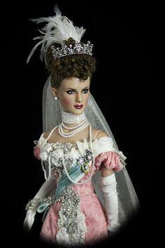 Queen Mary doll, absolutely stunning.