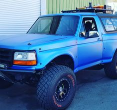 I genuinely am keen on this design for this 1993 Bronco Truck, Bronco Ii, Ford Bronco, Lifted Ford Trucks, 4x4 Trucks, Diesel Trucks, Ford Excursion, Bronco Concept, Trophy Truck