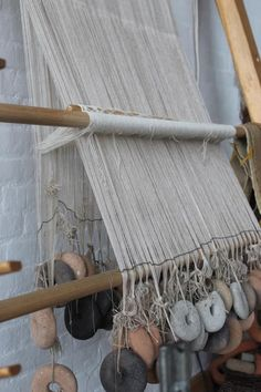Weaving Yarn, Tablet Weaving, Weaving Textiles, Viking Dress, Iron Age, Rug Making, Yarn Crafts, Handicraft, Diy Clothes