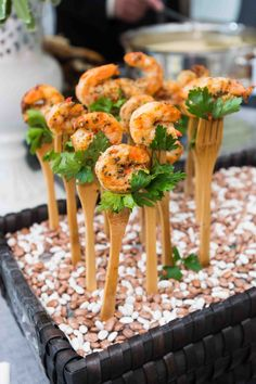 East Coast Countryside Wedding with Vintage Details Wooden forks were displayed upright on a bed of beans and topped with Cajun shrimp and leafy greens. Photo by Images by Berit, Inc. Wedding Appetizers, Appetizers For A Crowd, Seafood Appetizers, Seafood Recipes, Appetizer Recipes, Detox Recipes, Appetizer Display, Tandoori Paneer, Seafood Buffet
