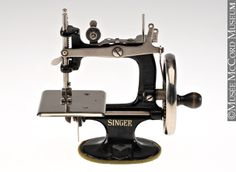 1000 images about jouets toys on pinterest the for Machine a coudre king jouet