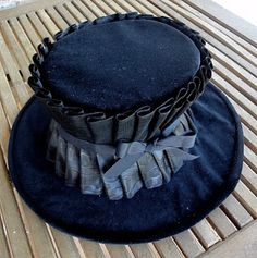 DIY tutorial on converting or modifying a cheap straw hat into an Edwardian hat by Festive Attyre.