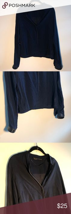 Shop Women's Zara Blue Black size L Blouses at a discounted price at Poshmark. Description: EUC, leather-cuffed, split collar blouse in deep blue from Zara. Plus Fashion, Fashion Tips, Fashion Design, Fashion Trends, Collar Blouse, Leather Cuffs, Zara Tops, Blue Blouse, Deep Blue