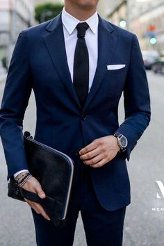 Navy & White Outfit Inspiration For Men. Topics: #OutfitIdeas and #MontrealFashion. Visit http://ez-couture.com to reserve your private appointment. #menssuitsnavy