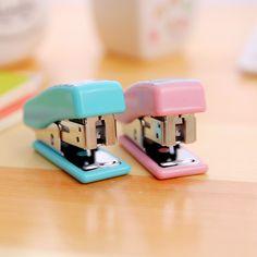 Mini Cucitrice 24/6 Set di Cancelleria Kawaii Cucitrice Ufficio di Carta di Plastica Accessori Mini Binder Set Stazionaria