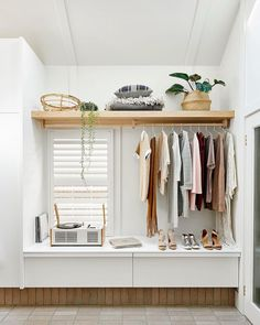 Open closet ideas for small bedroom design. Interior Design Awards 2018, Closet Bedroom, Bedroom Decor, Australian Interior Design, Cottage Renovation, Interior Minimalista, Shelves In Bedroom, Bedroom Wardrobe, Hanging Wardrobe