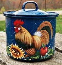 the rooster-----I Know you can no longer cook in it but love this pot ! Rooster Painting, Rooster Art, Tole Painting, Rooster Kitchen Decor, Rooster Decor, Chicken Painting, Chicken Art, Chicken Rice, Painted Pots