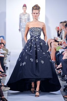 Oscar de la Renta Spring 2013  I need someplace to wear this!