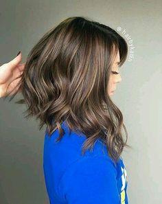 Long bob asymetric with balayage Medium Hair Cuts, Medium Hair Styles, Curly Hair Styles, Haircut Medium, Medium Curls, Long Layers Medium Hair, Long Bob With Layers, Long Bob Cuts, Hair Layers