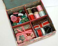 cigar box for sewing notions Cigar Box Diy, Cigar Box Crafts, Cigar Box Purse, Wooden Cigar Boxes, Altered Cigar Boxes, Diy Box, Sewing Box, Sewing Kits, Sewing Notions