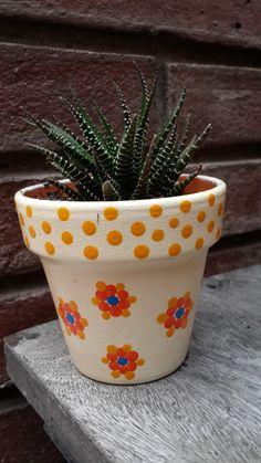 Macetas pintadas a mano. Manteca - Nº 8 - achapots@hotmail.com - Facebook: A'cha Pots.