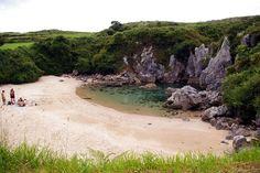 playa de Gulpiyuri, situada en Asturias (Spain), entre Llanes y Ribadesella.