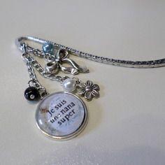 """Marque page original """"je suis une nana super""""  cabochon  bleu blanc métal argenté fleur perles"""